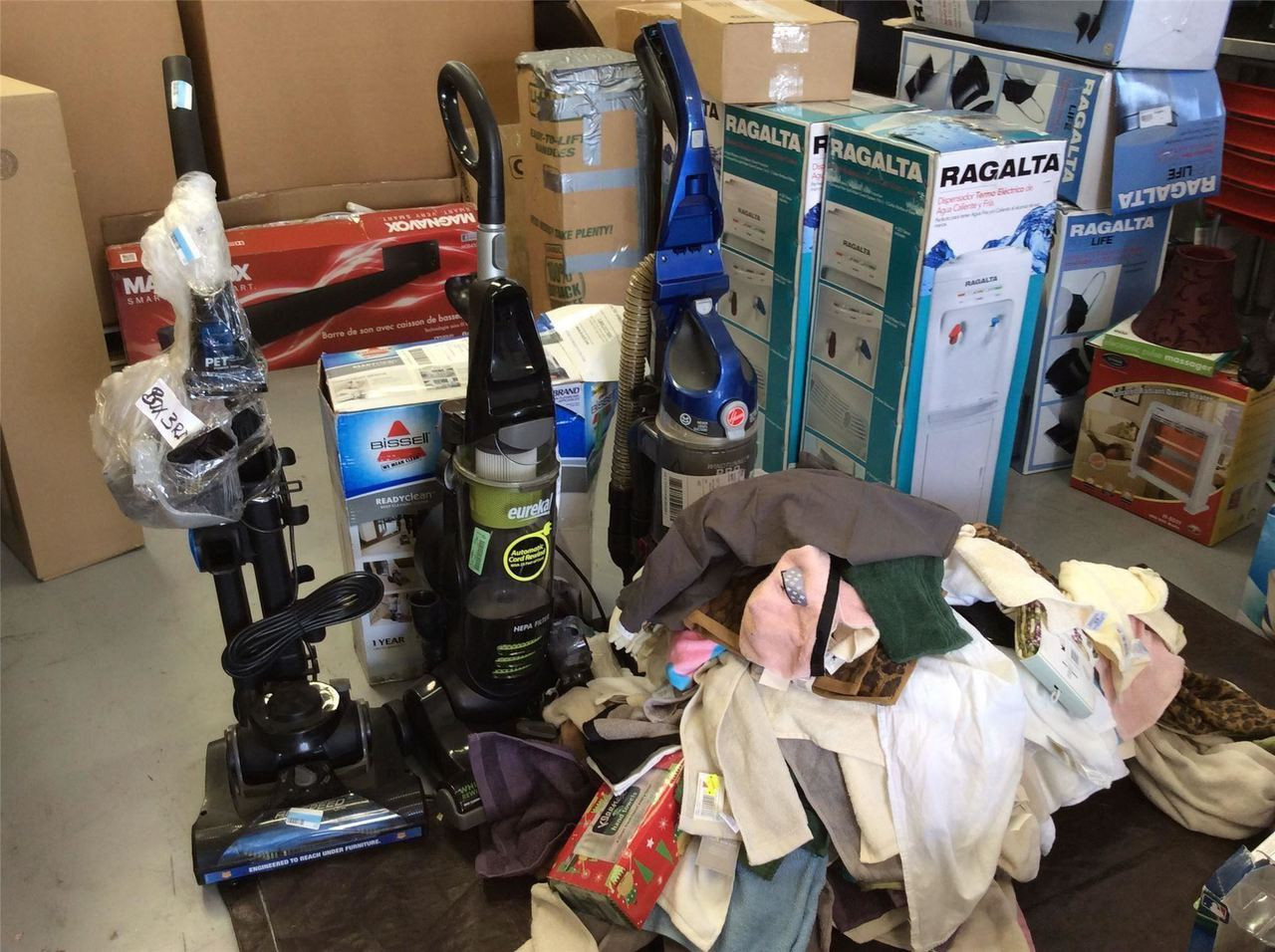 Wholesale Pallet of Home Goods Merchandise Approx  280 Items