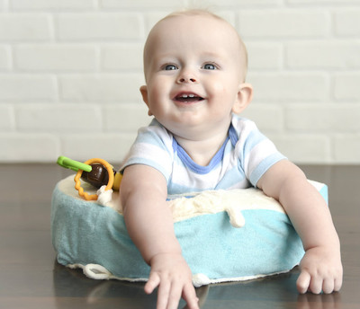 Perfect for tummy time your baby will love Snuggwugg. Attach favorite toys to encourage sensory play.