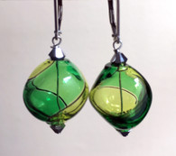 "Grass and emerald green Murano glass yin yang ""sasso"" earrings"