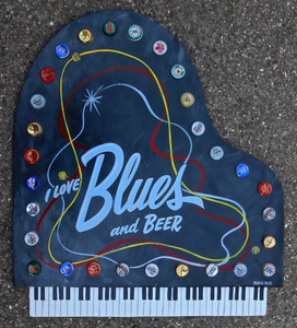 BLUES & BEER PIANO WALL PLAQUE by George Borum
