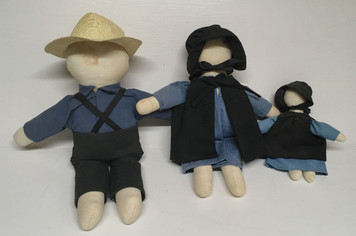 AMISH HAND MADE - 3 Piece DOLL FAMILY  - (No Faces}