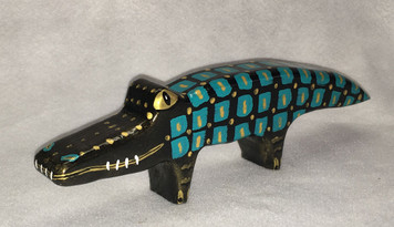 SMALL NILE CROCK WOOD CARVING BY Jo Ann Butts