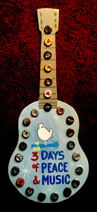 WOODSTOCK - GUITAR WALL HANGER -