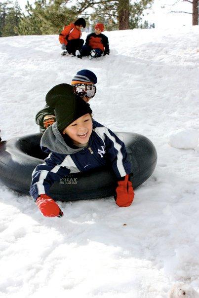 Devon Snow tube Fun