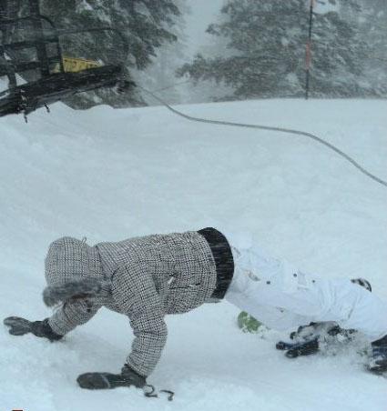 SnowBoarding Vs. tubing