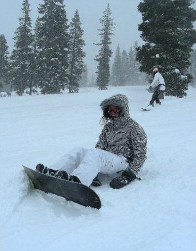 Snow Boarding VS tubing