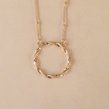 "N3250-GD  16""-19""  Worn Gold Circle Necklace"