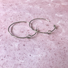 E2080-SL Knotted Hoop