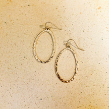 E2090-GD Hammered Oval Hoop Earring