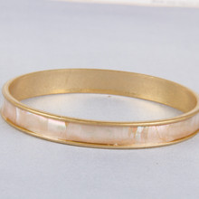 B1211-WH Mother of Pearl Bangle
