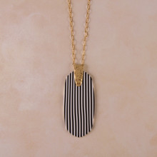 "N3263 30"" Pinstripe Resin Pendant Necklace"