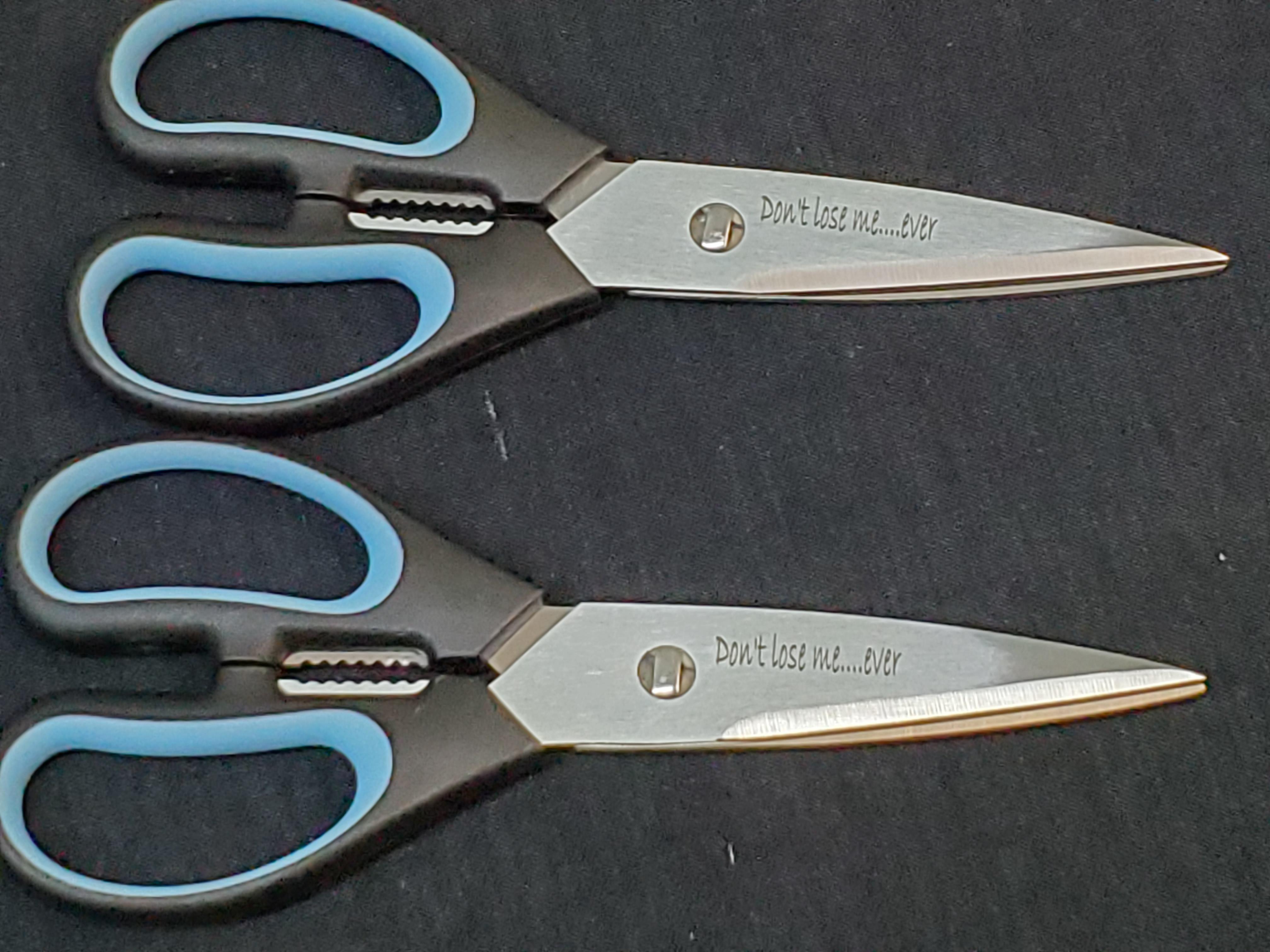 custom-engraved-dexter-knives-11-.jpg