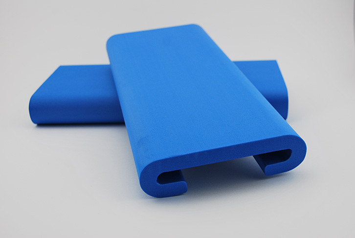 Industrial foam dragonboat seat pads offer superior comfort when paddling.  Compliant and approved by IDBF and AusDBF sanctioned dragon boat regattas.