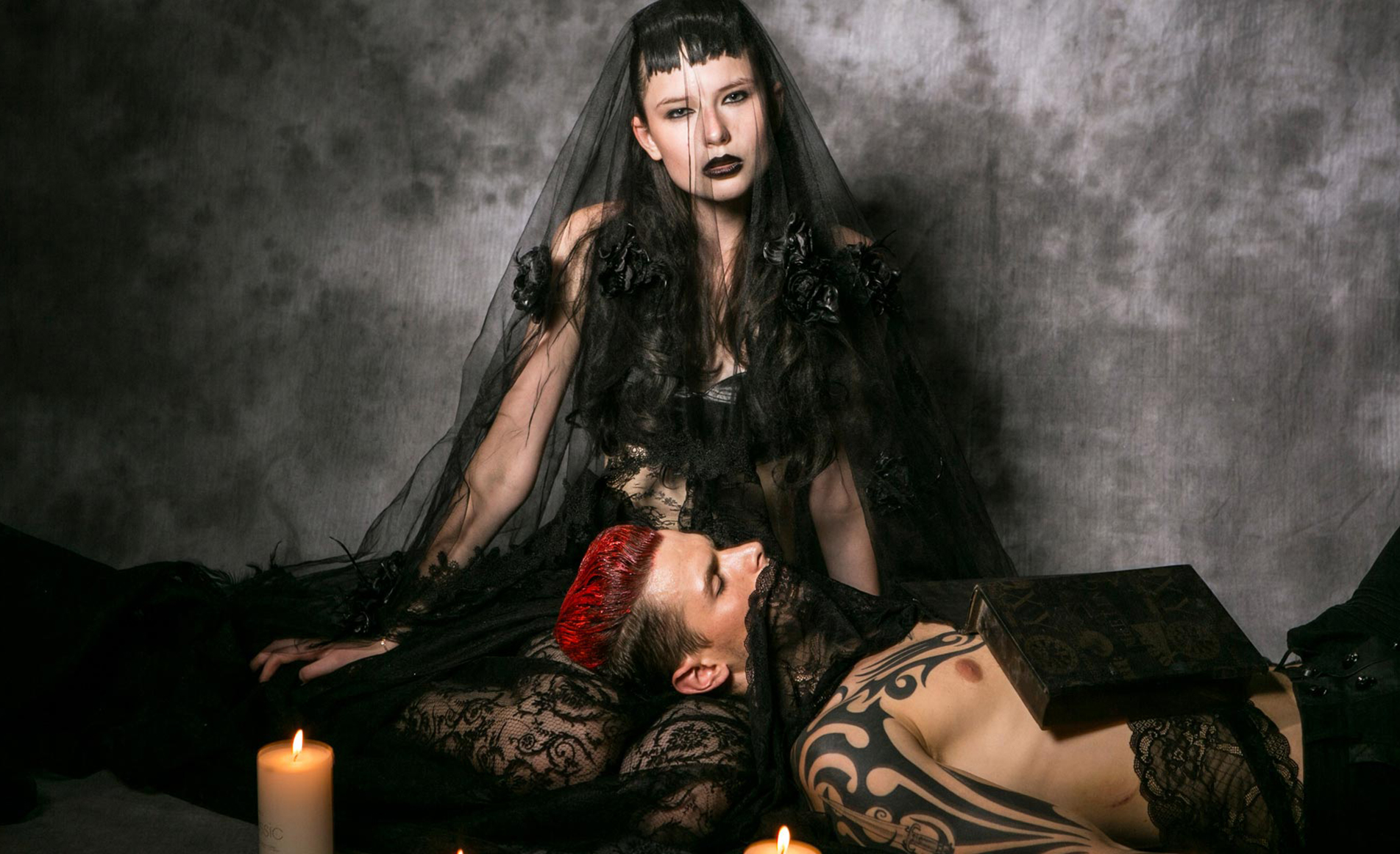 GOTHIC AND STEAMPUNK WEDDING