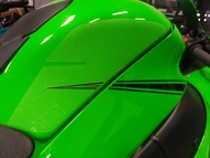 Kawasaki ZX-10R Tank Grip