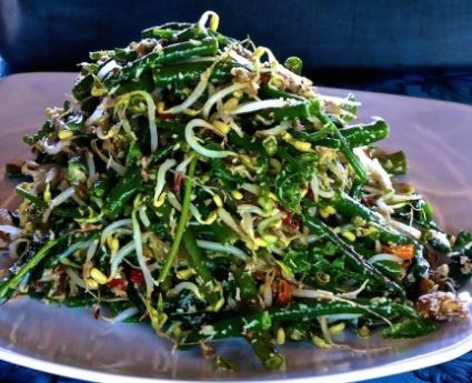 balinese-lawar-salad-2.jpg