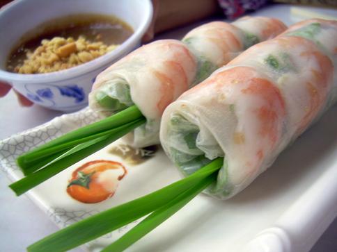 vietnamese-ricepaper-roll.jpg
