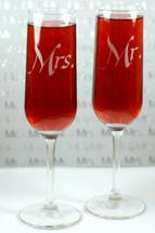 Engraved Modern Champagne Flutes Mr & Mrs (Set of 2)