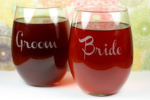 Engraved Stemless Wine Glasses with Bride & Groom (Set of 2)