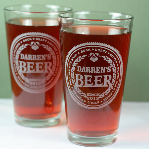 Engraved Groomsmen Beer Names (Set of 4) Pint Set Close Up