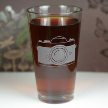 Engraved Old School 35mm Camera Etched Sandblasted Pint Glass