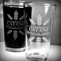 Personalized Engraved Leaf Crowns Home Brew Beer Pint Glasses (Set of 2)