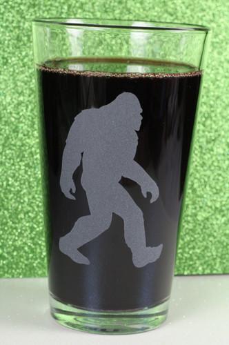 Engraved Sandblasted Bigfoot|Bigfoot Gift|Etched Pint Glass|Engraved Pint Glass|Engraved Gift|Personalized Gift|Etched Gift|Engraved Glassware|Custom Gift|Etched Glassware|Custom Glassware|Personalized Glassware|Personalized Promotional Products|Glass Blasted