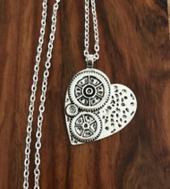 Resell for 9.00 or more Pewter steampunk heart 1 7/8 x 1 4/8 30 inch silver tone chain Style #SHN032918g