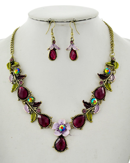 "resell for 60.00 or more Antique Gold Tone / Purple Acrylic / Lead&nickel Compliant / Metal / Fish Hook (earrings) / Flower / Statement / Necklace & Earring Set •   LENGTH : 17"" + EXT •   EARRING : 3/4"" X 1 1/2"" •   DROP : 1 1/2""  •   ANTIQUE GOLD/PURPLE  Style #AGPCNS041118"