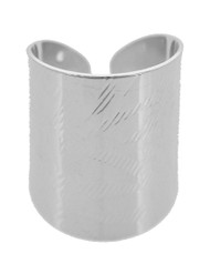 """resell for 15.00 or more Silver Tone / Lead&nickel Compliant / Metal / Cuff Ring fits size 7 and up •   SIZE FREE : CUFF •   WIDTH : 1"""" •   SILVER  Style #STCR061118"""