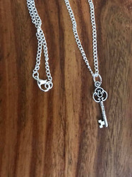 "Resell for 9.00 or more  16"" silver tone chain Pewter key charm Style #SKN092518"