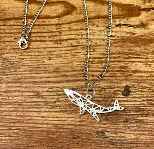 "resell for 12.00 or more Plated pewter origami whale 1 5/8"" x 5/8"" 20"" figaro silver tone chain Style #OWPN013119"