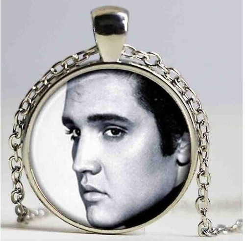 """resell for 15.00 or more Elvis Presley Black White Pendant Necklace. 20"""" Silver tone chain plus ext Style #EPBWN040519"""