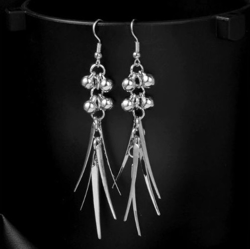 """5.00 resell for 15.00 or more Silver tone Ornate Boho Chic Drop Earrings 3"""" long Style #OBCDE040519"""