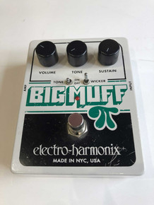 Electro Harmonix Big Muff Pi W/Tone Wicker Fuzz/Distortion Peda