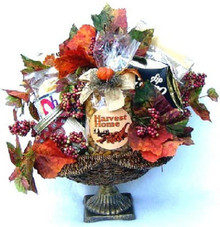 Autumn Splendor: Gourmet Fall Gift Basket