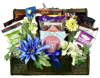 A housewarming gift basket for new home owners is always a great way to congratulate someone and wish them well in their new home. Send this as a closing or a welcome to the neighborhood gift for the new neighbors and they will be thrilled.