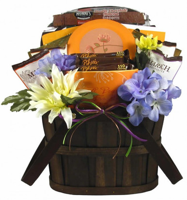 Friendships need work and sending a surprise friendship gift basket is the best way we can think of to keep your friendship fresh and exciting.
