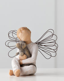Willow Tree (R) Angel - Angel of Comfort - 'Offering an embrace of comfort and love'