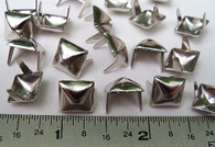"NAILHEADS SPOTS STUDS 2 Prong 3/8"" SQUARE BRIGHT NICKEL 100 pcs"