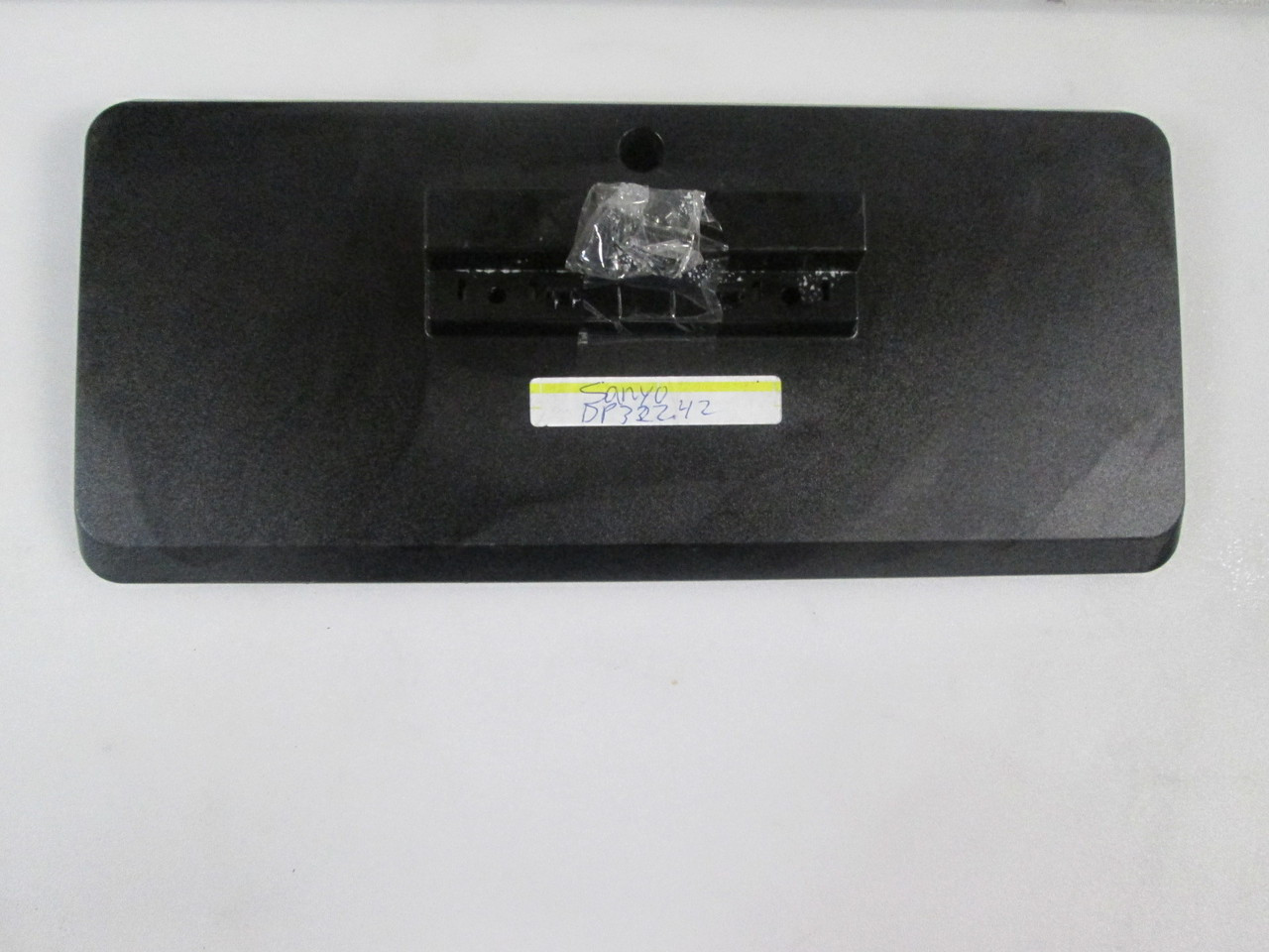 Sanyo Dp32242 Tv Stand Base Apsd32t030 Screws Included
