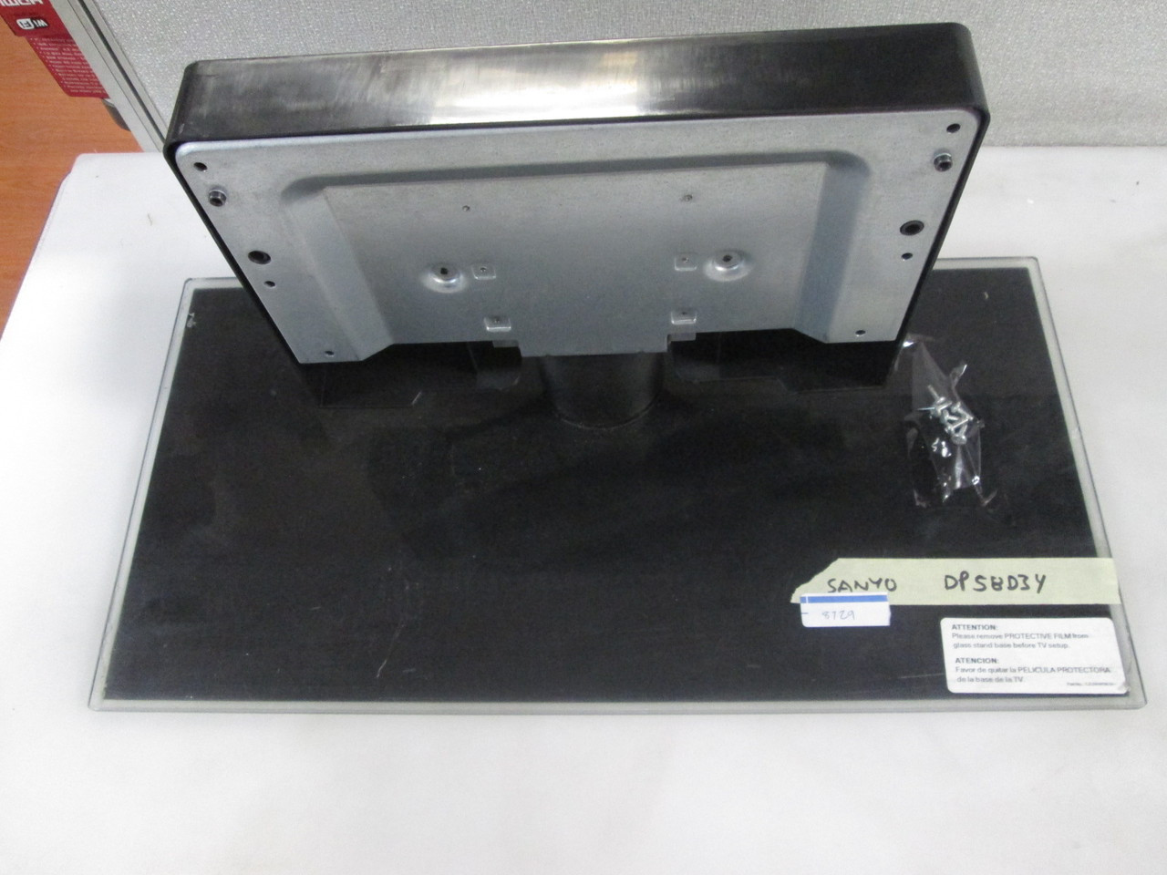 sanyo dp58d34 base/stand (screws included)