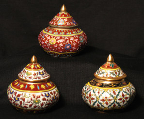 Boon Decor Benjarong Porcelain Covered Jar - Traditional Shape Raised Designs