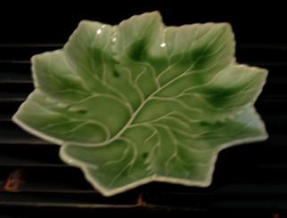Boon Decor Celadon Grape-Leaf Plate