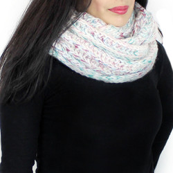 Chunky Knitted Infinity Scarf Blended Pastel Color Green