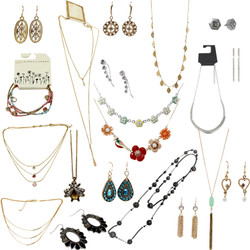 Major Department Store Jewelry Lot : 100 Pieces