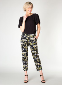 Yest Soft Tropical Print Fly Front Capri 31047
