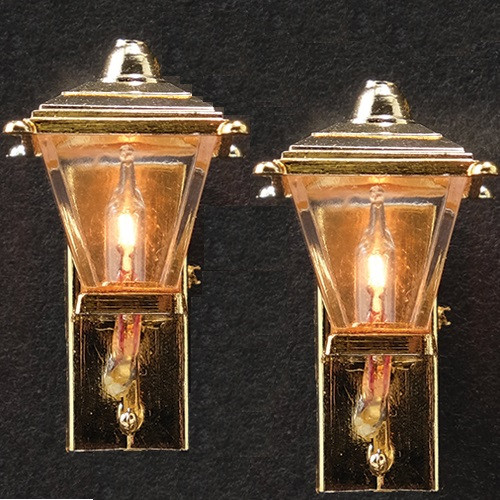 Pair of Plastic gold-tone Coach Lights (MH625)