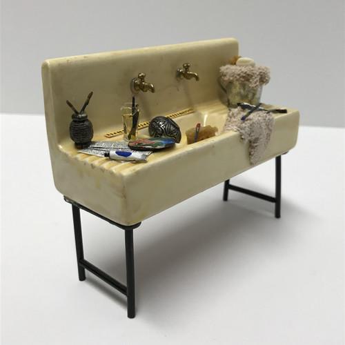 Sink w/Artist Supplies (SB906)