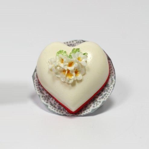Heart Shaped Cake (A3679)